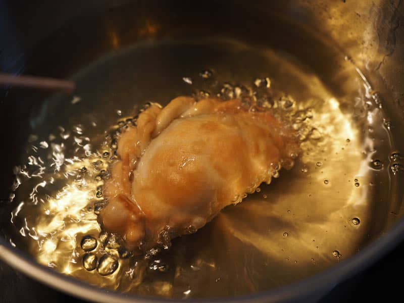 Deep frying an empanada