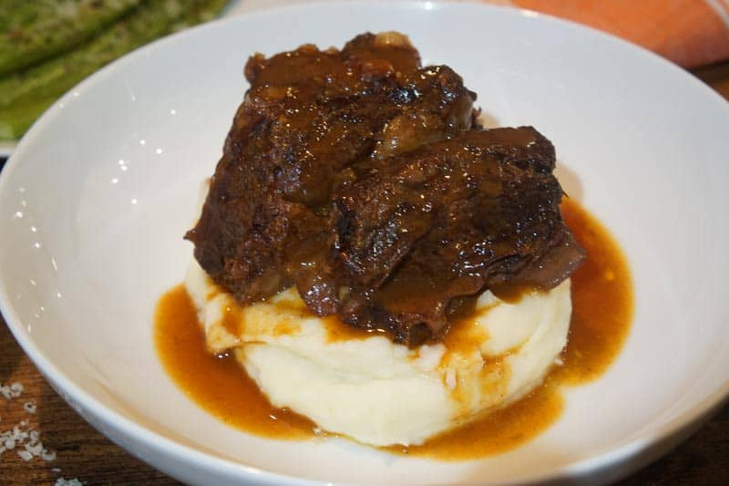 beef short ribs in the slow cooker