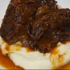 Slow Cooker Beef Short Ribs in Red Wine Sauce