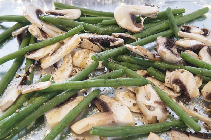 roasting green beans and mushrooms