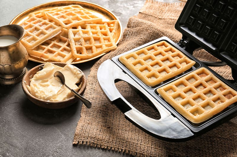 best waffle maker with removeable plates