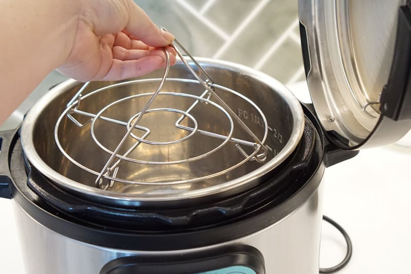 insert the instant pot trivet