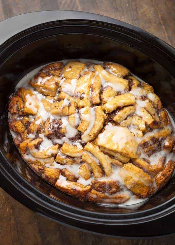 Slow Cooker Cinnamon Roll Casserole