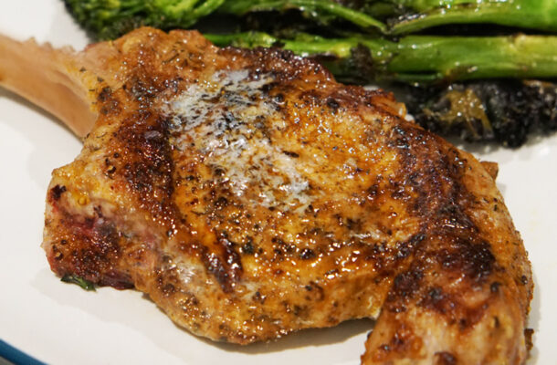 tomahawk pork chop