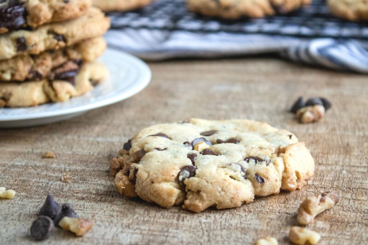 walnut chocolate chip cookie